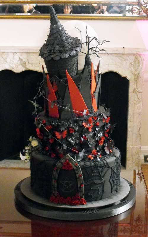 Vos recettes (gothiques ou non ;-) ) Gothic-wedding-cake