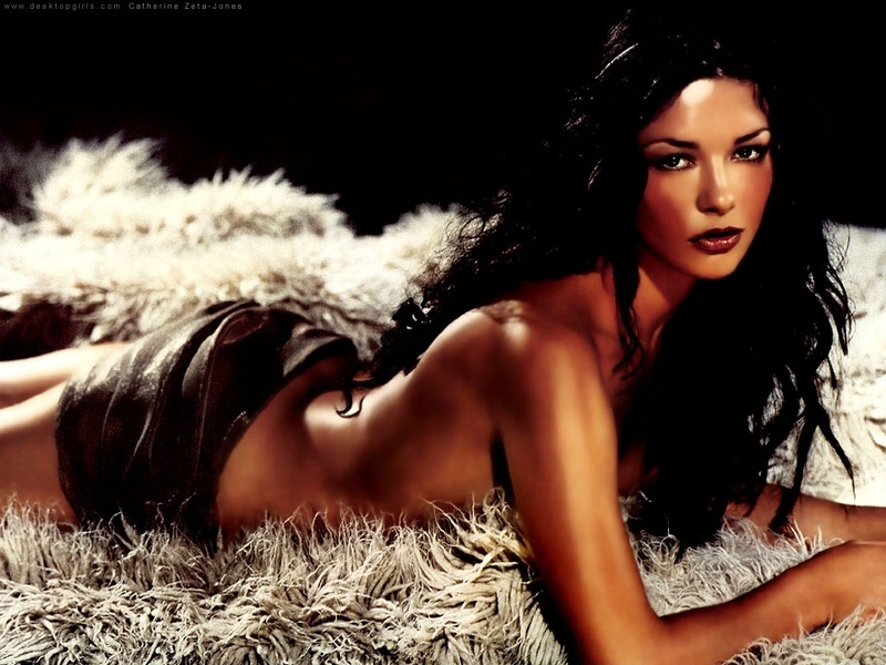 Catherine_Zeta_Jones_121800110120PM467.jpg