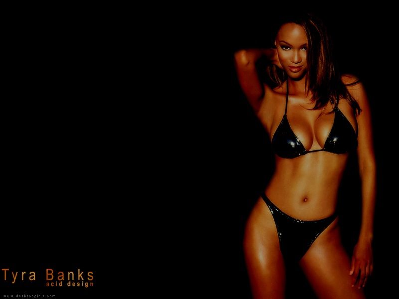 Tyra_Banks_1090050346PM246.jpg