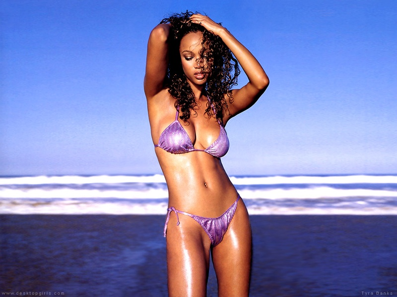 Tyra_Banks_490160239PM497.jpg
