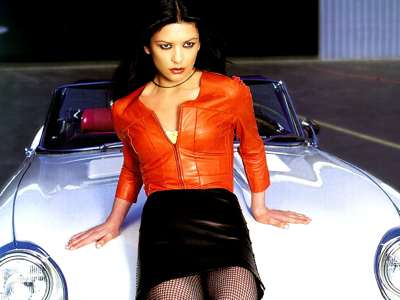 Catherine_Zeta_Jones_wall_01.jpg